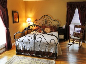 The Hutchins Room at The Hill House in Loretto KY